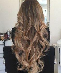 long curled hair is so beautiful! This long curled hair is so beautiful!This long curled hair is so beautiful! Face Shape Hairstyles, Cool Hairstyles, Summer Hairstyles, Balayage Hair, Ombre Hair, Bronde Hair, Haircolor, Luxy Hair, Long Curls