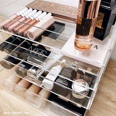 Makeup Storage and Makeup Organiser Makeup storage ideas, Makeup storage, beauty room, makeup storage DIY, makeup tips. Diy Makeup Organizer, Diy Makeup Storage Box, Makeup Collection Storage, Make Up Storage, Cosmetic Storage, Makeup Organization, Storage Ideas, Diy Storage, Storage Hacks