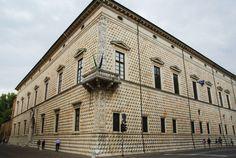 Palazzo-del-diamanti.jpg 996×667 pixels