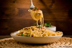 Espaguete à carbonara - aprenda fazer