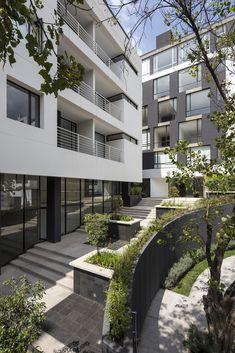 Gallery of Onyx Building / Diez + Muller Arquitectos - 5