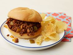 I never realized sloppy joe sauce was this easy to make! Sloppy Joes recipe from Ree Drummond via Food Network The Pioneer Woman, Pioneer Woman Recipes, Sloppy Joe Recipe Pioneer Woman, Pioneer Women Sloppy Joes, Meat Recipes, Dinner Recipes, Cooking Recipes, Sandwich Recipes, Sandwich Ideas