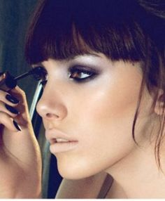 Violet smoky lid with golden brown shadow underneath the eye #makeup #smoky eyes