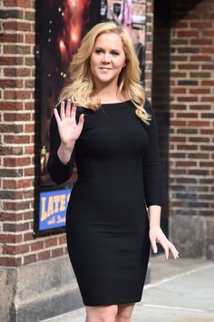 Amy Schumer Style, Clothes, Outfits and Fashion - CelebMafia Amy Schumer Bikini, Curvy Women Outfits, Clothes For Women, Amy Shumer, Chic Outfits, Fashion Outfits, Emma Watson Sexiest, Tv Girls, Dating Girls