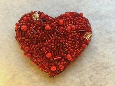Red+Heart+pin.+Handmade+brooch.+Beaded+pin.+Perfect+gift.