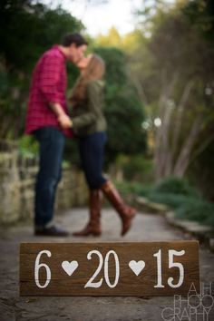 Fall Engagement Photo Shoot and Poses Ideas 6