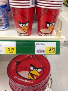 Angry Bird party cups and plates