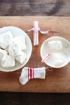 homemade marshmallows in cocoa  http://dreamywhites.blogspot.com/