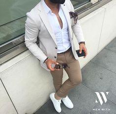 Mens Fashion Night Out Mens Fashion Blog, Fashion Mode, Fashion Night, Suit Fashion, Mens Smart Casual Fashion, Smart Casual Man, Fashion Beauty, Fashion Outlet, Daily Fashion