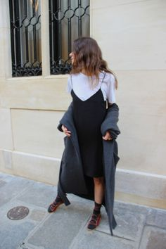 Trends to Incorporate into your Daily Outfits black slip dress … Look Fashion, 90s Fashion, Autumn Fashion, Fashion Outfits, Fashion Mode, Mode Grunge, 90s Grunge, Street Style Outfits, Grunge Street Style