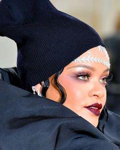 Rihanna, Red Carpet, Instagram, Fashion, Moda, Fashion Styles, Fashion Illustrations