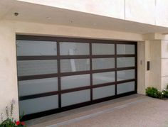 Residential Aluminum Garage Doors - Port Orchard and Gig Harbor WA & Glass single garage door. Modern with black frame and semi ...