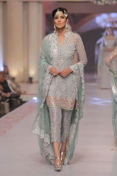design Dresses Traditional - Zainab Chottani Summer Dhanak Bridal Wear Collection at Telenor Bridal Couture Week 2015 Pakistani Party Wear, Pakistani Wedding Outfits, Pakistani Couture, Pakistani Dress Design, Pakistani Designers, Indian Outfits, Indian Dresses, Emo Outfits, Pakistani Dresses Online