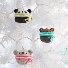 Add a touch of cuteness and craftiness to your tree this Christmas with my series of crocheted teddy ornaments!  Free pattern available!    ....if only I new how to crochet...