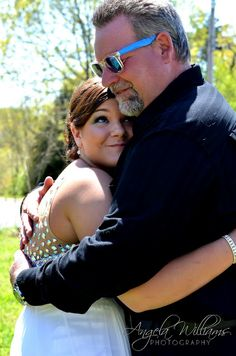 Daddy - Daughter before Prom picture @Carrie Miller I want a picture like this with my father in law:))