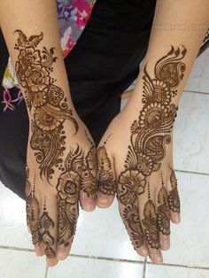 50 Beautiful and Easy Henna Mehndi Designs for every occasion   Read full article: http://webneel.com/mehndi-designs   more http://webneel.com/drawings   Follow us www.pinterest.com/webneel