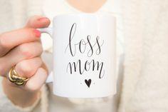 Boss Mom Coffee / Tea Mug. Cup with unique handlettered design great for entrepreneurs or hustler mompreneurs. Small business shop owner mug by DEEZdutch on Etsy DEEZ Dutch