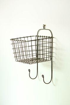 Hanging Wire Wall Basket