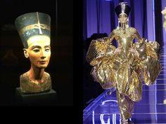 En el 2004 el diseñador Jhon Galliano lanza su colección inspirada en el antiguo Egipto.