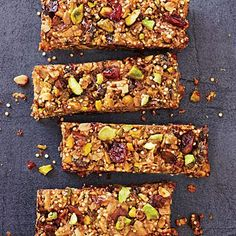 When nuts meet dried fruit, chocolate, and crunchy whole grains, you get Cranberry-Pistachio Energy Bars—a hearty snack packed with protein and fiber. Clean Eating Snacks, Healthy Snacks, Healthy Recipes, Clean Meals, Portable Snacks, Cooking Light Recipes, Cooking Kale, Snacks Sains, Recipe Finder