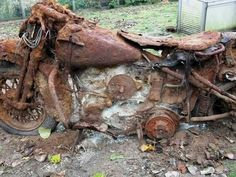 Vintage Motorcycles Harley Davidson buried for 48 years in Belgium, dug out by the grandson. Harley Davidson Knucklehead, Harley Davidson Motorcycles, Abandoned Cars, Abandoned Places, Abandoned Vehicles, Vintage Motorcycles, Cars And Motorcycles, Motorcycle Rides, Bike Rides