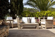 Absolutely love this outdoor furniture
