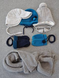 Cool weather accessories. Capsule Wardrobe, Grey And White, Knitted Hats, Winter Hats, Weather, Turquoise, Cool Stuff, Knitting, Girls