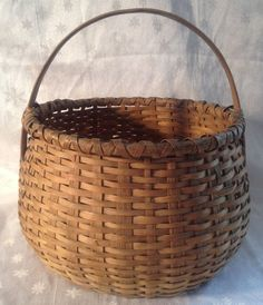 PRIMITIVE WOVEN ROUND BASKET w/ Handle Early Antique Rustic Vtg Old Apple Fruit