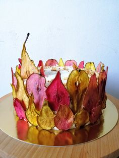 How to make colorful pear slices to decorate DIY cakes Beautiful Cakes, Amazing Cakes, Dessert Bars, Dessert Recipes, Ice Cream Birthday Cake, Cake Decorating Frosting, Cupcake Cakes, Cupcakes, Cake Tasting