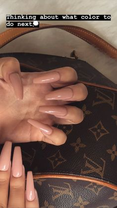 Semi-permanent varnish, false nails, patches: which manicure to choose? - My Nails Acrylic Nails Nude, Simple Acrylic Nails, Summer Acrylic Nails, Acrylic Nail Designs, Simple Nails, Summer Nails, Coffin Nails Long, Long Nails, Long Nail Art