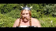 au service de sa majeste - YouTube  Un film marrant a montrer en cours de Francais