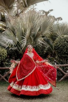 Indian Bridal Photos, Indian Bridal Outfits, Indian Bridal Fashion, Indian Bridal Lehenga, Red Lehenga, Lehenga Choli, Wedding Dresses For Girls, Bridal Dresses, Indian Gowns Dresses