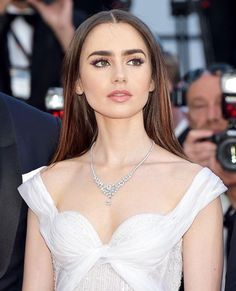 Lily Collins is GOALS! She always gives us hair and makeup inspiration!!! | Celebrities on the red carpet Lily Collins eyebrow perfection