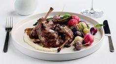 Lapin braisé à la moutarde de Dijon et au vin rouge Celerie Rave, Saveur, Steak, Beef, Food, Chicken, Cooking Food, Red Wine, Meat