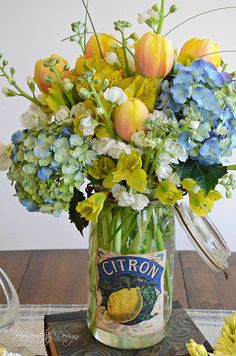 French Canning Jar- I love this! Housepitality French Canning Jar- I love this! Housepitality The post French Canning Jar- I love this! Housepitality appeared first on Floral Decor. Deco Floral, Arte Floral, Floral Design, Spring Wedding Flowers, Wedding Table Flowers, Wedding Centerpieces, Yellow Centerpieces, Wedding Summer, Table Centerpieces