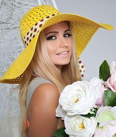 Hats For Women, Beauty, Wednesday, Coats, Fashion, Women, Amor, White Blouses, Berets