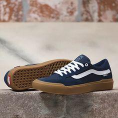 Vans Shoes Outfit, Mens Vans Shoes, Men's Vans, Skate Shoes, Vans Men, Guy Shoes, Vans Boots, Puma Outfit, Vans Store
