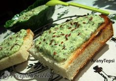 Hungarain 'courgette pate', will try with soft cheese instead of sour cream Healthy Fats Foods, Fat Foods, Healthy Snacks, Diet Recipes, Vegan Recipes, Cooking Recipes, Vegan Food, Avocado Toast, Clean Eating