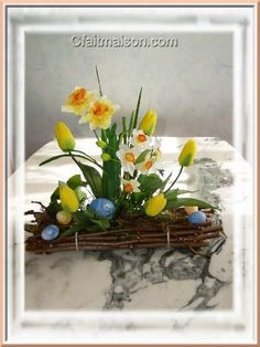 Composition de Pâques sur fagot de bois (sans vase)