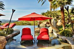 15 Outdoor Spaces with Parasols - List Deluxe Tropical Pool, Tropical Landscaping, Deck Design, Landscape Design, Garden Design, Outdoor Spaces, Outdoor Decor, Outdoor Living, Outdoor Furniture
