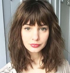 Cute Medium Haircuts for Women with Bangs, Frisuren, Haircuts for Medium Length Curly Hair with Bangs. Medium Haircuts With Bangs, Curly Hair With Bangs, Medium Hair Cuts, Wavy Hair, Medium Hair Styles, Curly Hair Styles, Bangs Medium Hair, Long Bob Bangs, Lob Bangs