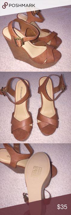 🎀🆕Women's Cognac Wedge🎀 Beautiful Cognac Wedges. New without Box. Shoe Dazzle Shoes Wedges