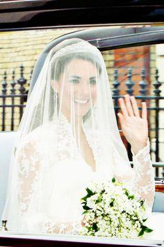 Duchess of Cambridge #katemiddleton Kate Middleton Wedding Dress, Princess Kate Middleton, Kate Middleton Prince William, Kate Middleton Photos, Prince William And Catherine, Pippa Middleton, Royal Brides, Royal Weddings, Duchess Kate