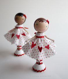 Valentines clothespin dolls