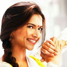 Deepika Padukone ~ Manwa Laage... Super pretty