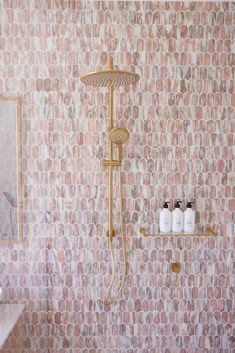 Pink and grey feature bathroom tiles with glitzy accessories make this bathroom the winner on The Block 2021 Gold Shower, Shower Taps, Interior Color Schemes, Colour Schemes, Bathroom Layout, Bathroom Interior Design, Bathroom Ideas, Toilet Suites, Classic Bathroom