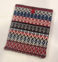 Rosepath weaving in linen and wool. Ipad sleeve.