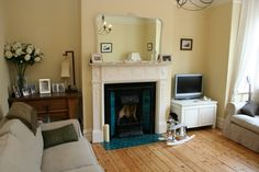 living room ideas edwardian Wood Burner Fireplace, Fireplace Mantels, Fireplaces, Victorian Living Room, Edwardian House, Edwardian Style, Home Living Room, Living Room Designs, Living Room Green