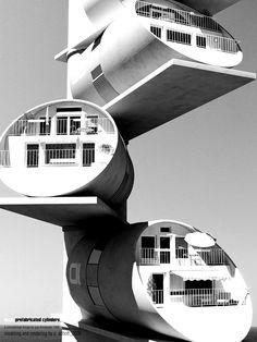 retro future ( futurism / architecture / home / retro / future / space age / mod )