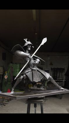 Samurai by Claudio Bottero #claudiobottero #kunst #geschmiedet #kunstwerke #atelierbotteromarti #dekoration #skulptur #sculpture #samurai